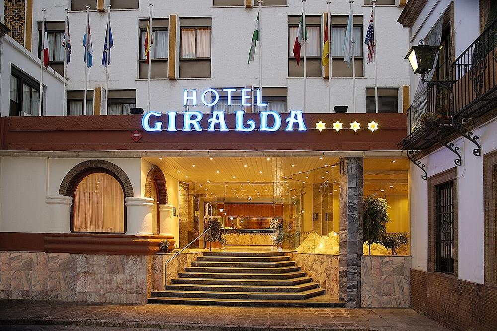 Book catalonia giralda hotel seville hotel deals for Hotels seville