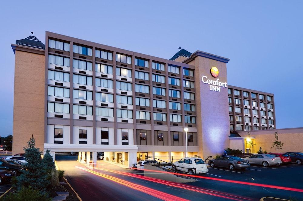 Comfort Inn Suites Event Center In Des Moines Hotel Rates