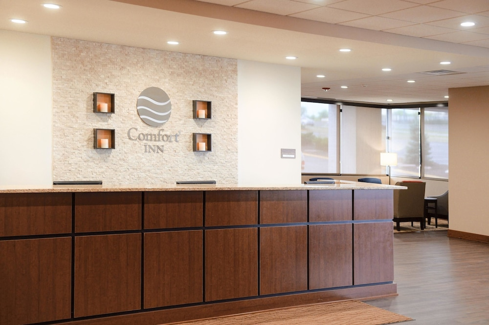 Comfort Inn Suites Event Center 2019 Room Prices 94 Deals