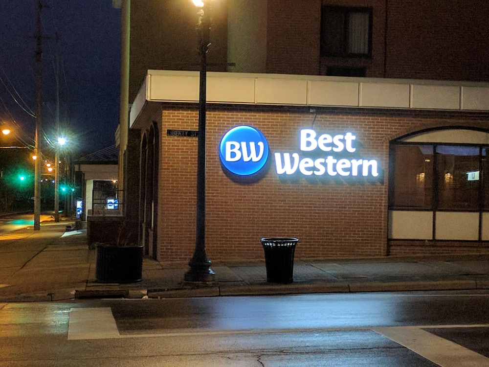 Front of Property - Evening/Night, Best Western Plus Wooster Hotel & Conference Center