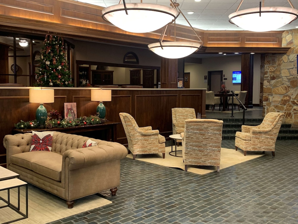 Lobby, Best Western Plus Wooster Hotel & Conference Center