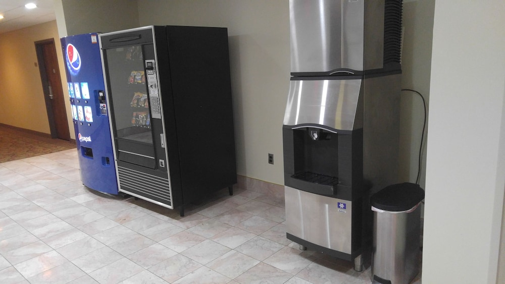 Vending Machine, Best Western Plus Wooster Hotel & Conference Center