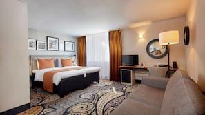 Hochwertige Bettwaren, Betten mit Memory-Foam-Matratzen, Zimmersafe