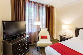 Executive Room, 1 King or 1 Queen Bed - Guestroom