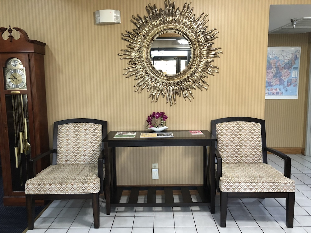 Interior Entrance, Super 8 by Wyndham Franklin Hwy 31