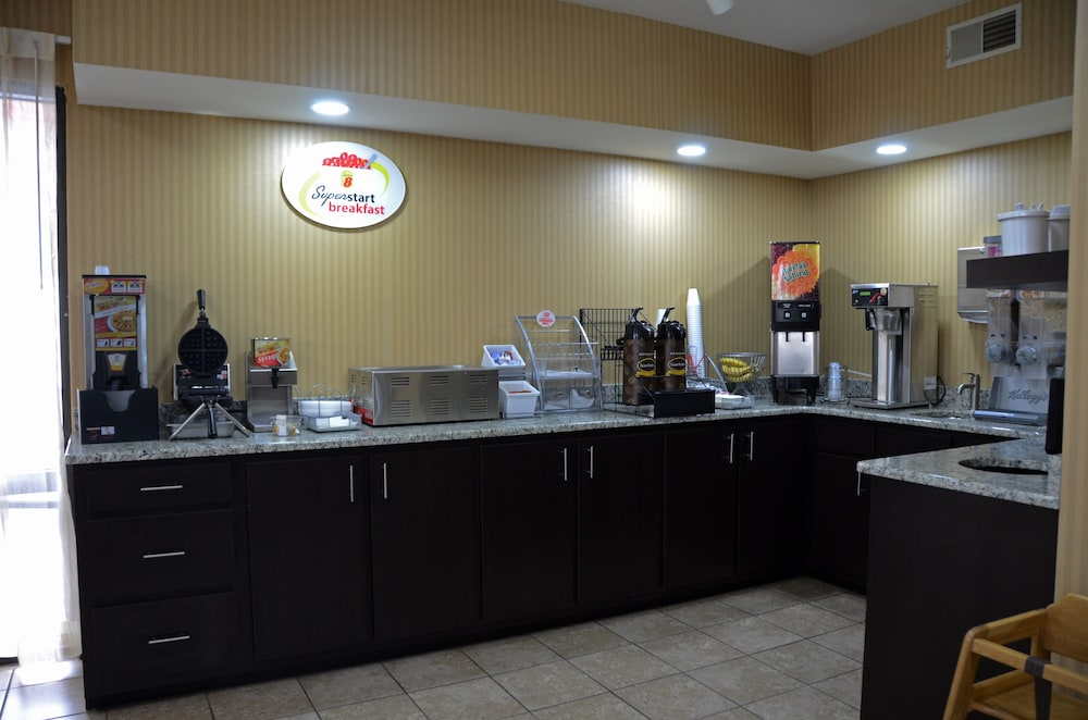 Dining, Super 8 by Wyndham Franklin Hwy 31