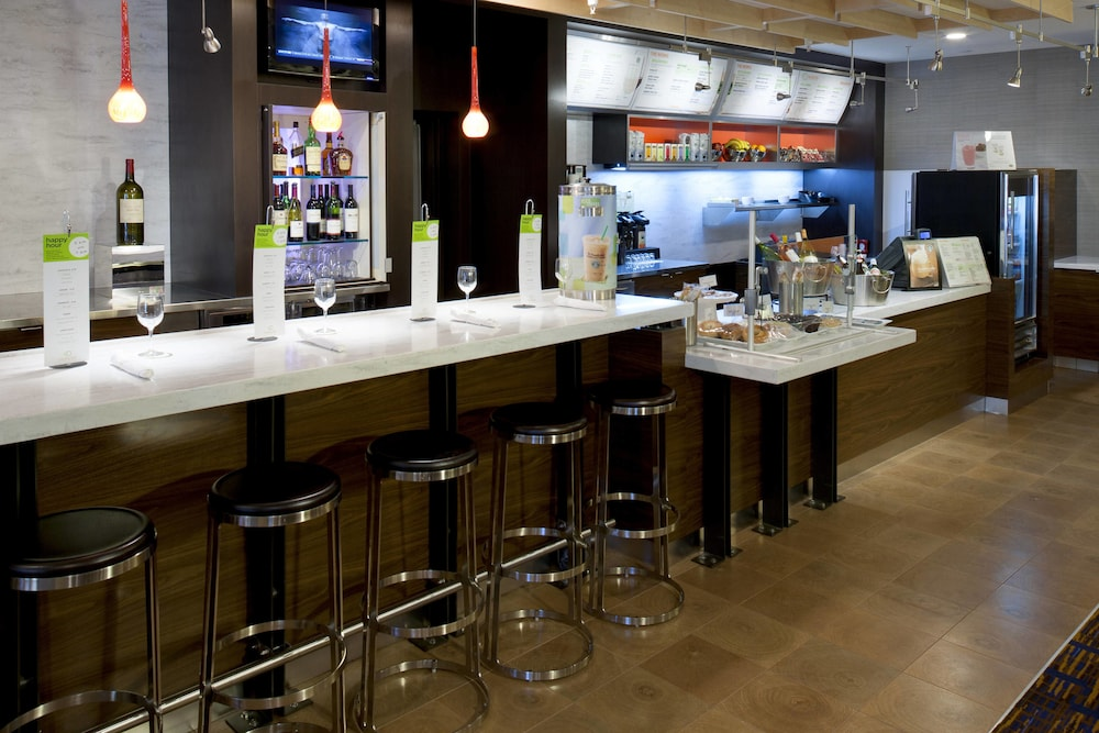 Bar, Courtyard by Marriott Cypress Anaheim/Orange County