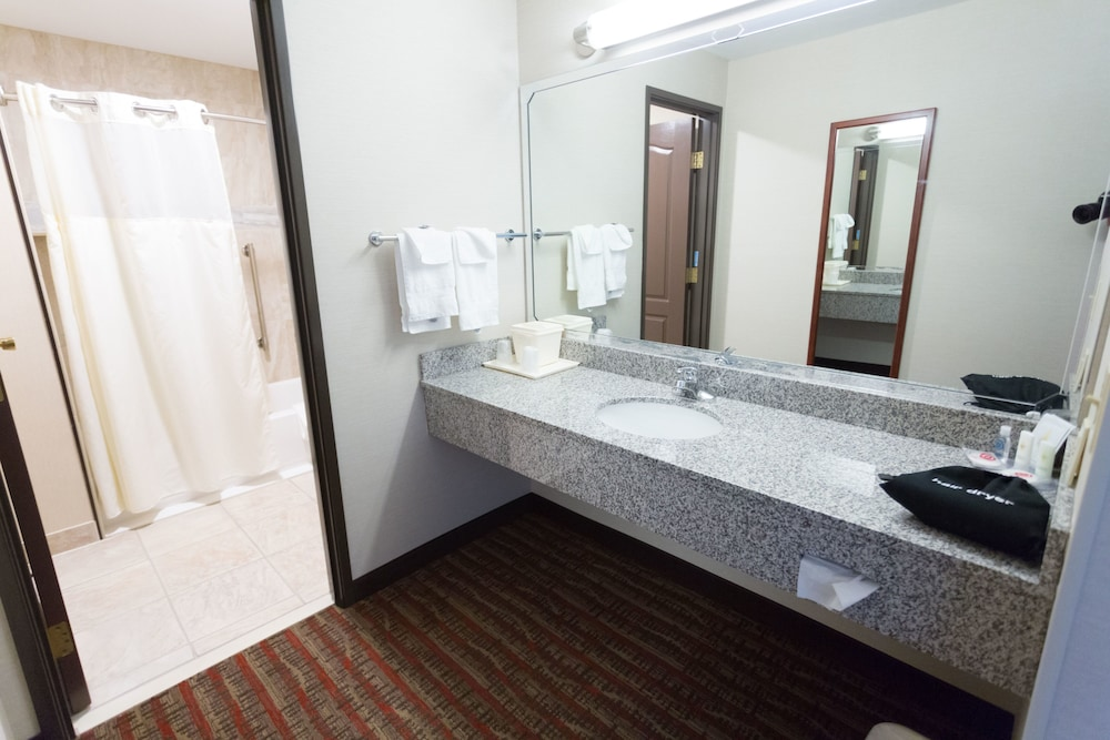 Bathroom Amenities, Quality Inn near Rocky Mountain National Park