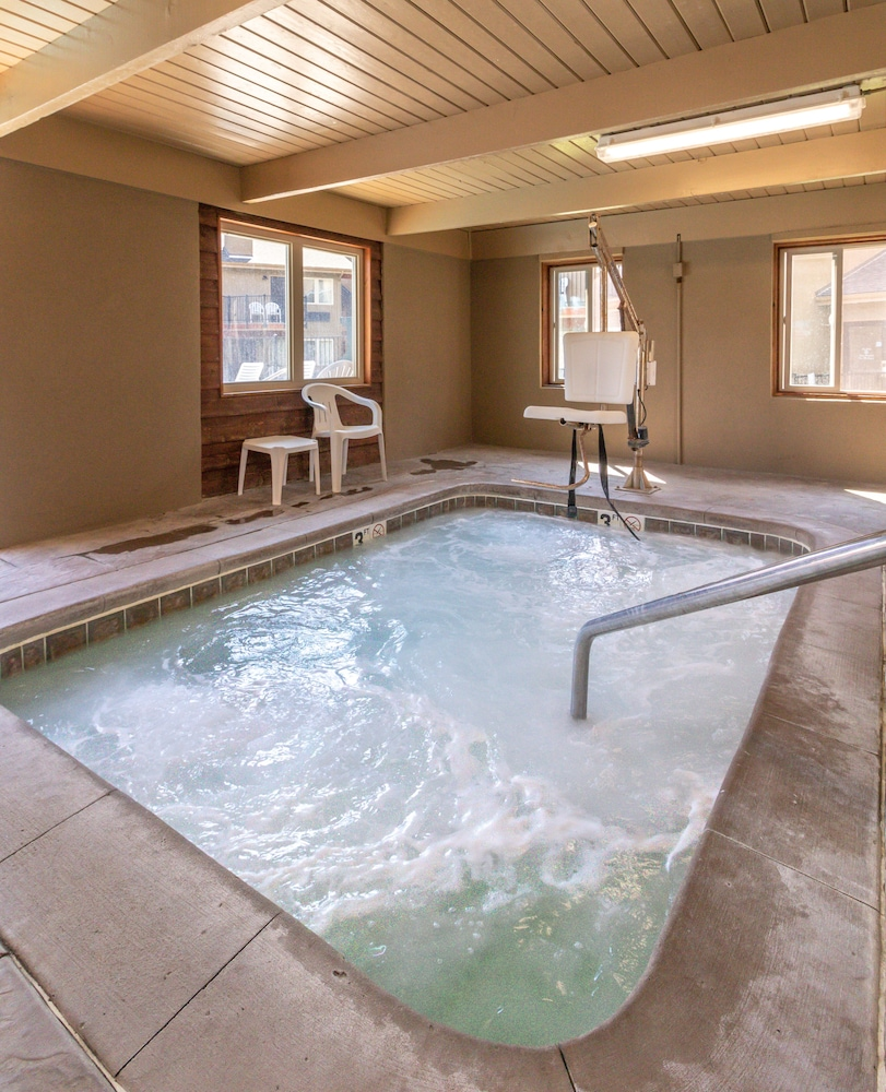 Indoor Pool, Quality Inn near Rocky Mountain National Park
