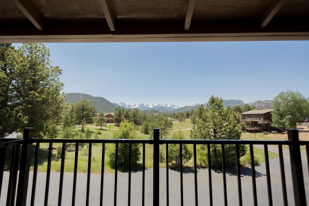 Terrace/Patio, Quality Inn near Rocky Mountain National Park
