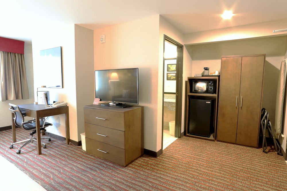 Living Area, Quality Inn near Rocky Mountain National Park