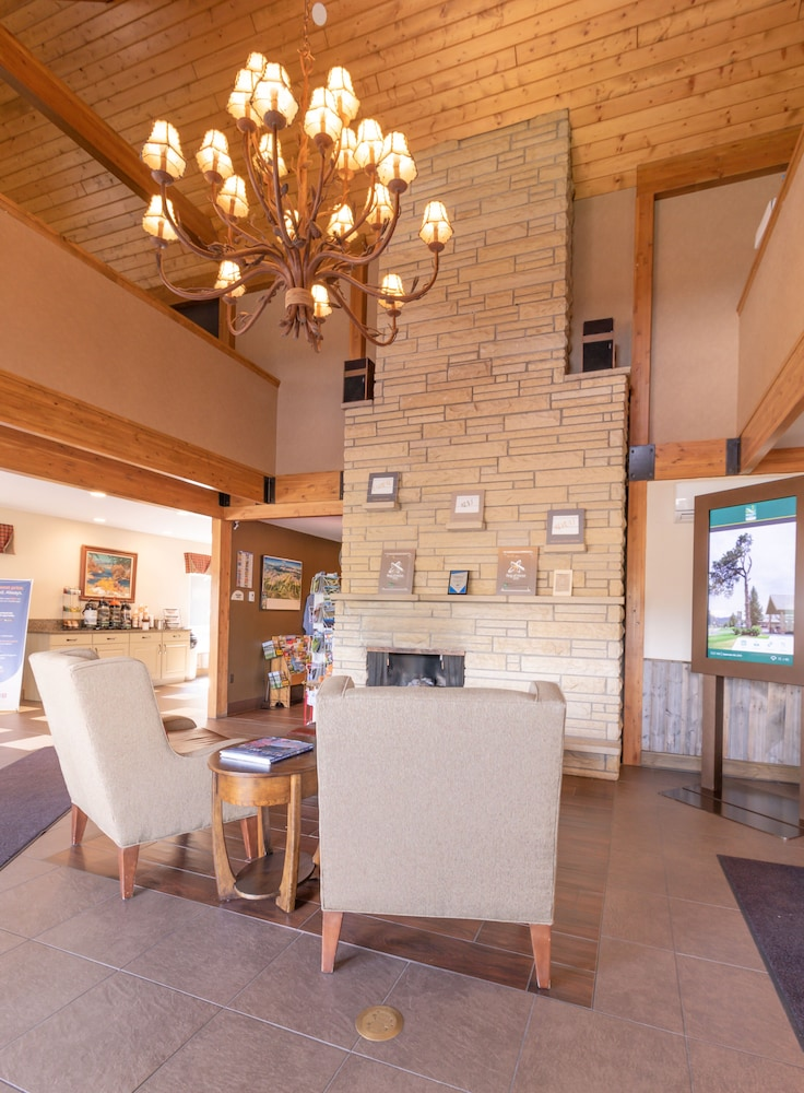Lobby, Quality Inn near Rocky Mountain National Park