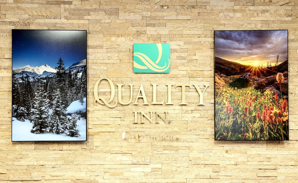 Property Entrance, Quality Inn near Rocky Mountain National Park