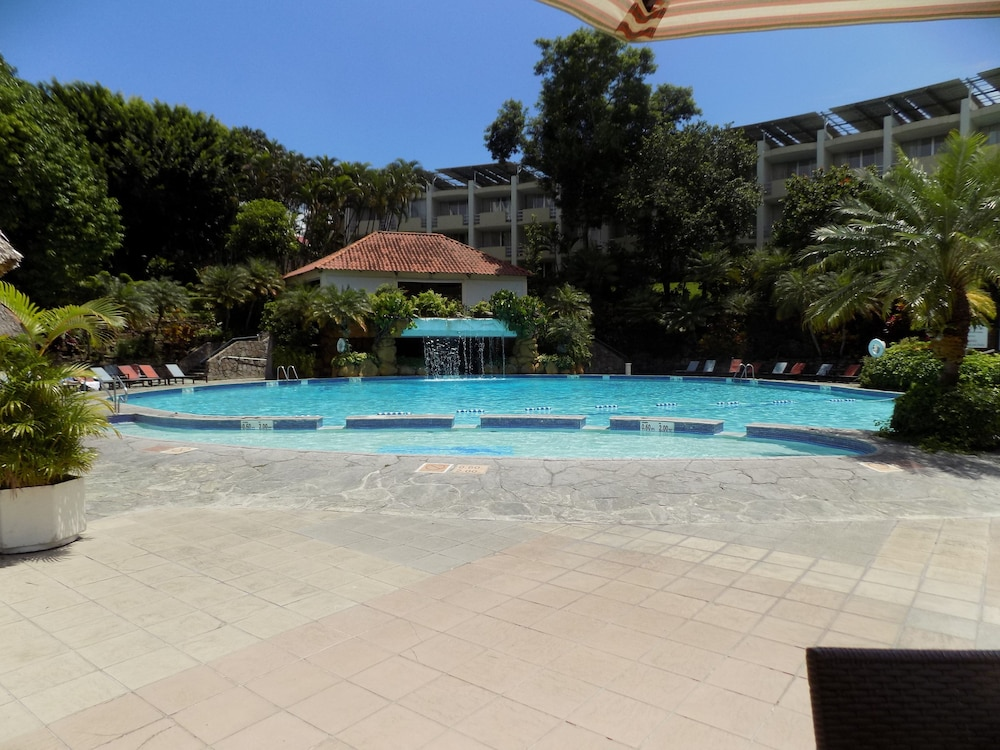 Outdoor Pool, Sheraton Presidente San Salvador Hotel
