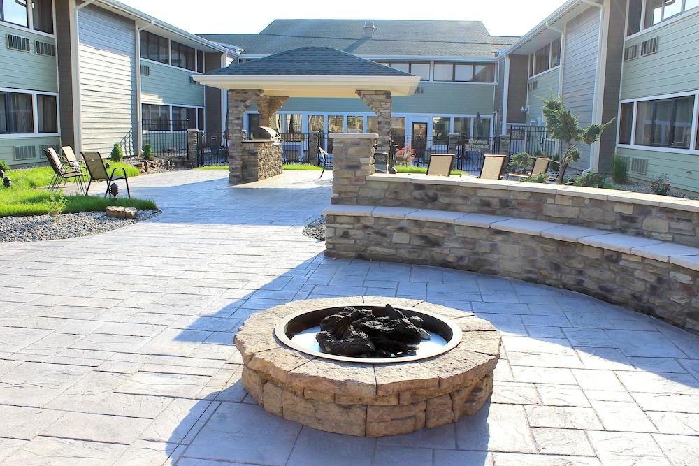 Wyndham Garden Fort Wayne In Fort Wayne Hotel Rates Reviews On