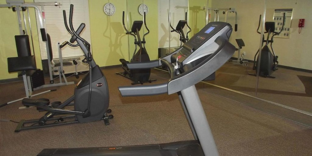 Fitness Facility, Ramada by Wyndham Gainesville