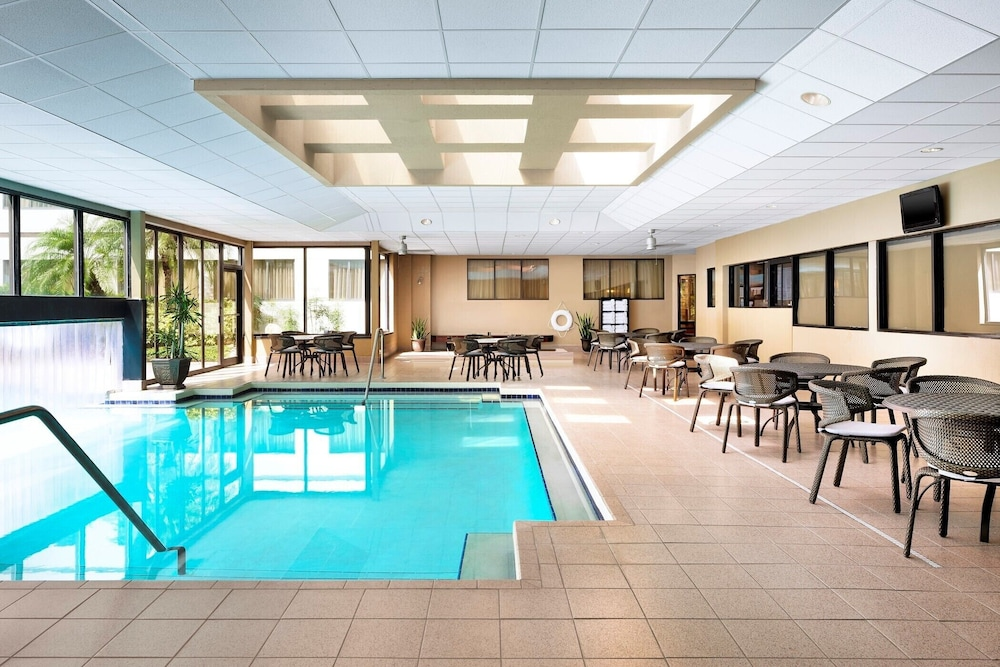 Indoor Pool, Sheraton Suites Orlando Airport