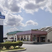 Days Inn by Wyndham Hillsborough