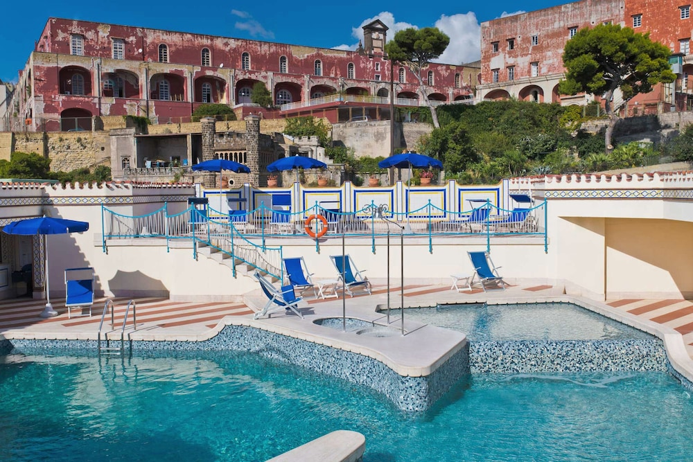 Pool, Royal Continental Hotel Naples