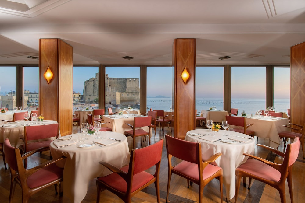 Dining, Royal Continental Hotel Naples