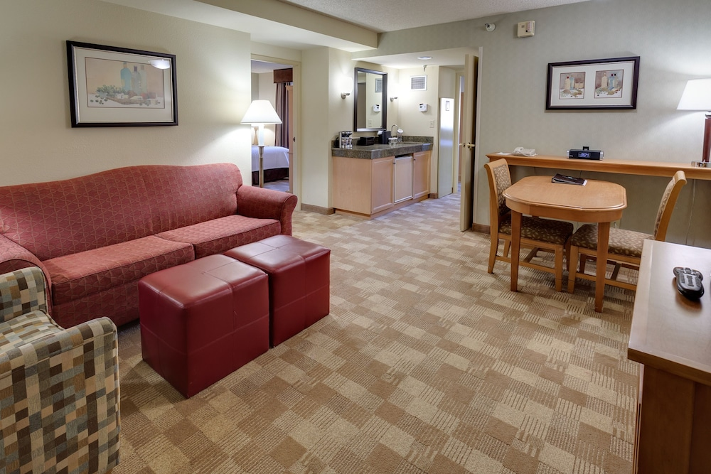 Room, Embassy Suites by Hilton San Rafael Marin County