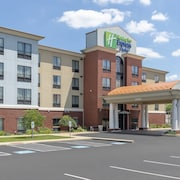 Holiday Inn Express Hotel & Suites New Philadelphia