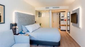 Ropa de cama de alta calidad, minibar, caja fuerte y cortinas opacas