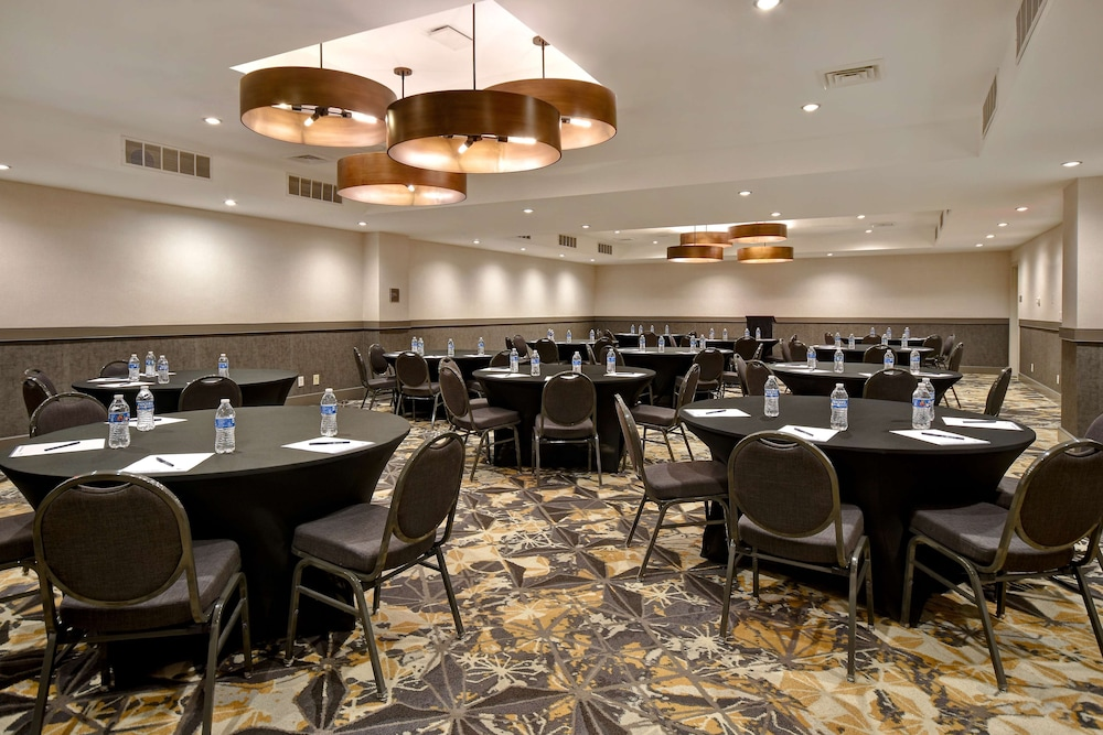Ballroom, DoubleTree by Hilton St. Louis Airport