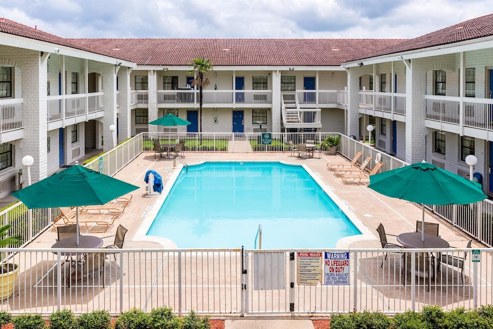 Motel 6 Baytown Garth Rd Deals Reviews Baytown Usa