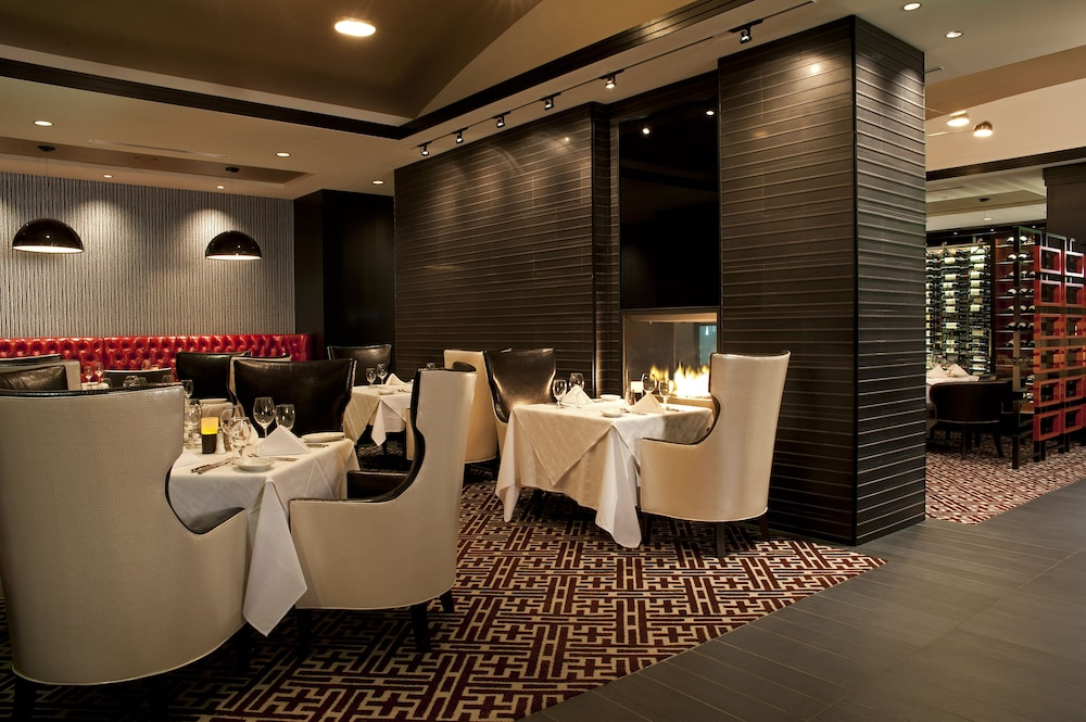 Restaurant, Amway Grand Plaza, Curio Collection by Hilton