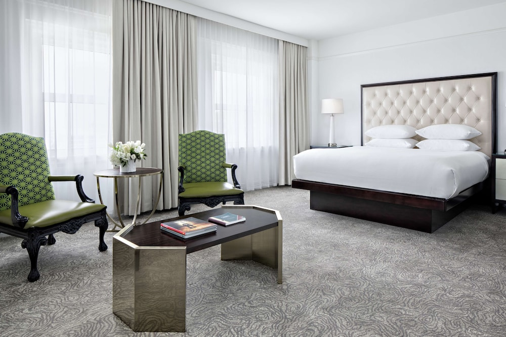 Room, Amway Grand Plaza, Curio Collection by Hilton