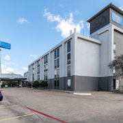 Motel 6 Lewisville, TX - Medical City