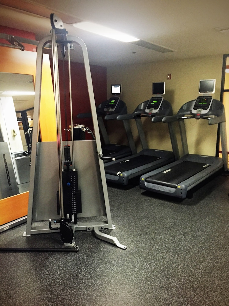 Gym, Ontario Airport Hotel & Conference Center