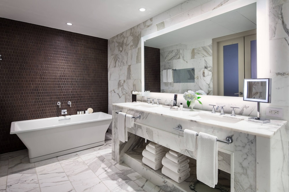 Bathroom, The St. Anthony, A Luxury Collection Hotel, San Antonio