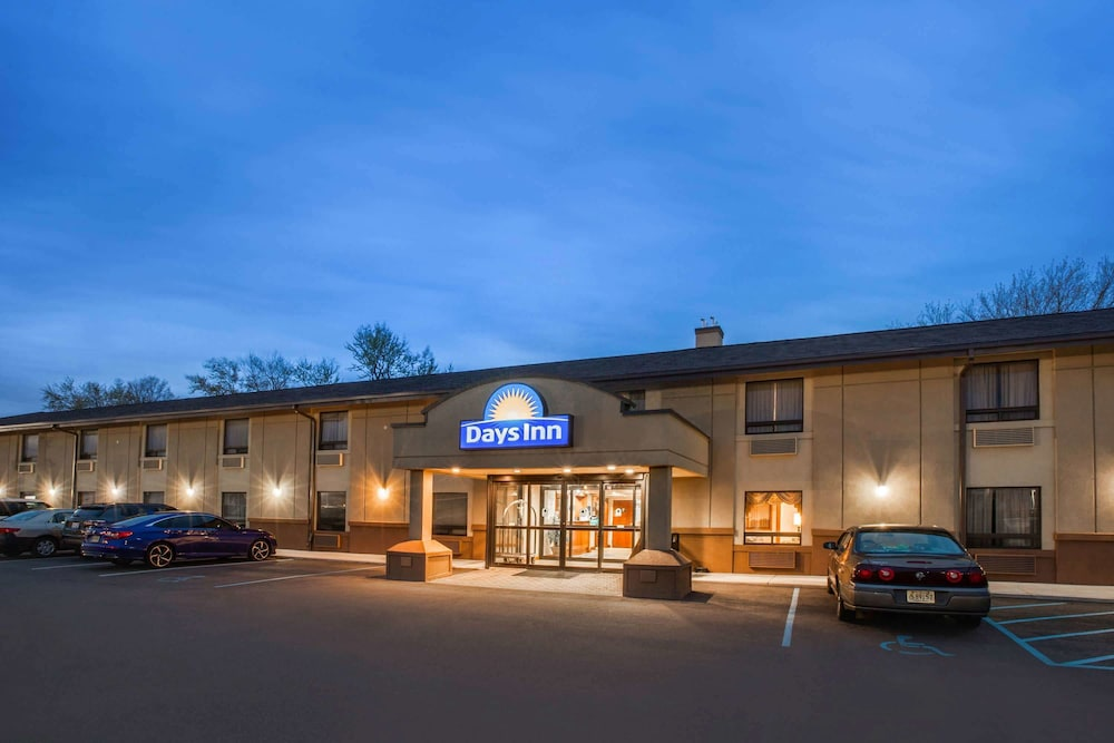 Exterior, Days Inn by Wyndham Iselin / Woodbridge