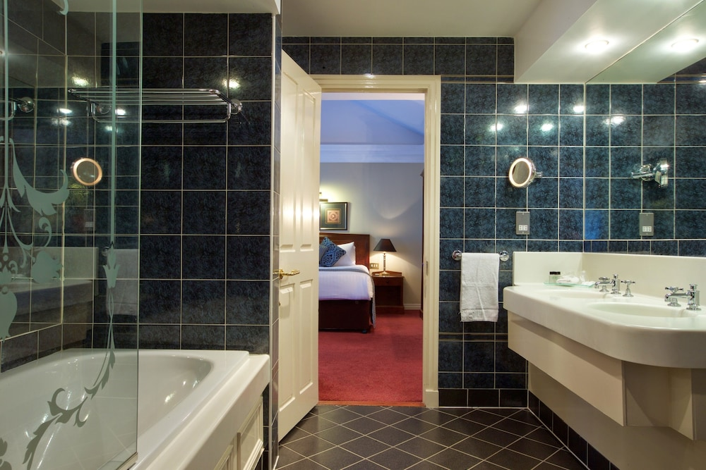 Bathroom, Derby Mickleover Hotel, BW Signature Collection