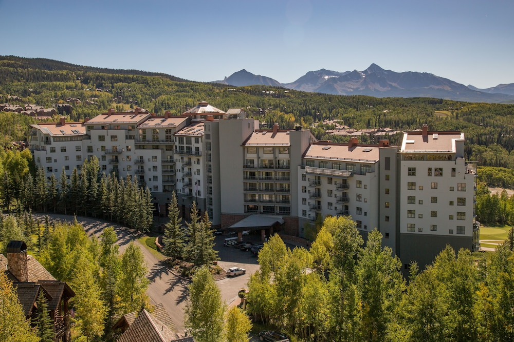 Exterior, The Peaks Resort and Spa