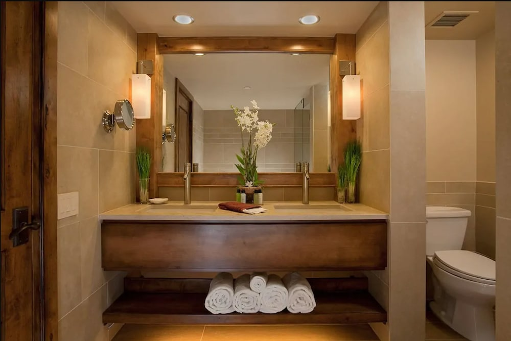 Bathroom Sink, The Peaks Resort and Spa
