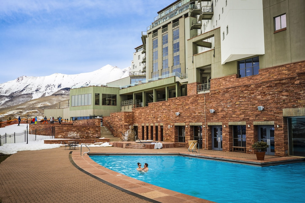 Outdoor Pool, The Peaks Resort and Spa