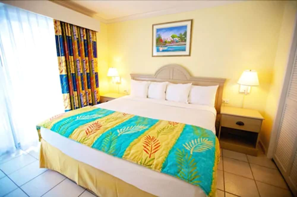 Room, Bay View Suites Paradise Island