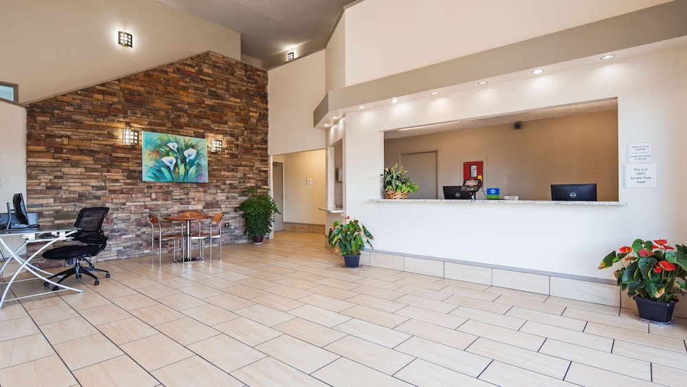 Lobby, SureStay Hotel by Best Western Albuquerque Midtown
