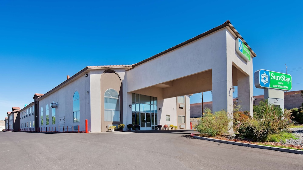 Exterior, SureStay Hotel by Best Western Albuquerque Midtown