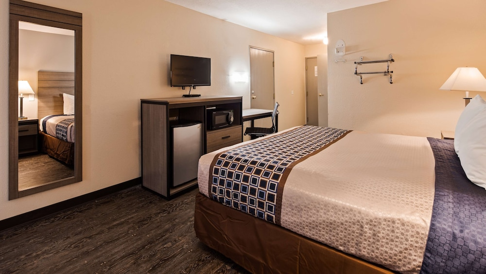 Room, SureStay Hotel by Best Western Albuquerque Midtown