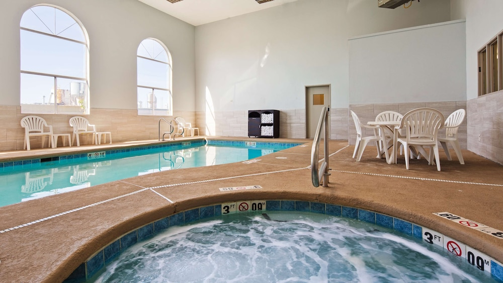 Spa, SureStay Hotel by Best Western Albuquerque Midtown