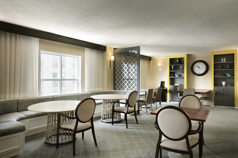 Executive Lounge, Sheraton Raleigh Hotel