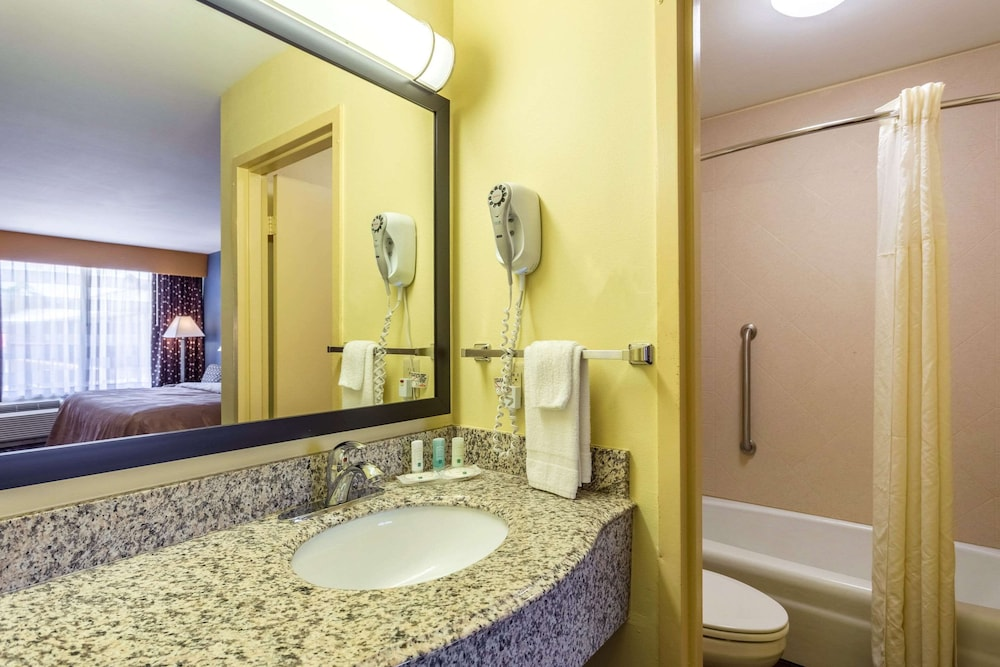 Room, Quality Inn & Suites Baton Rouge West – Port Allen