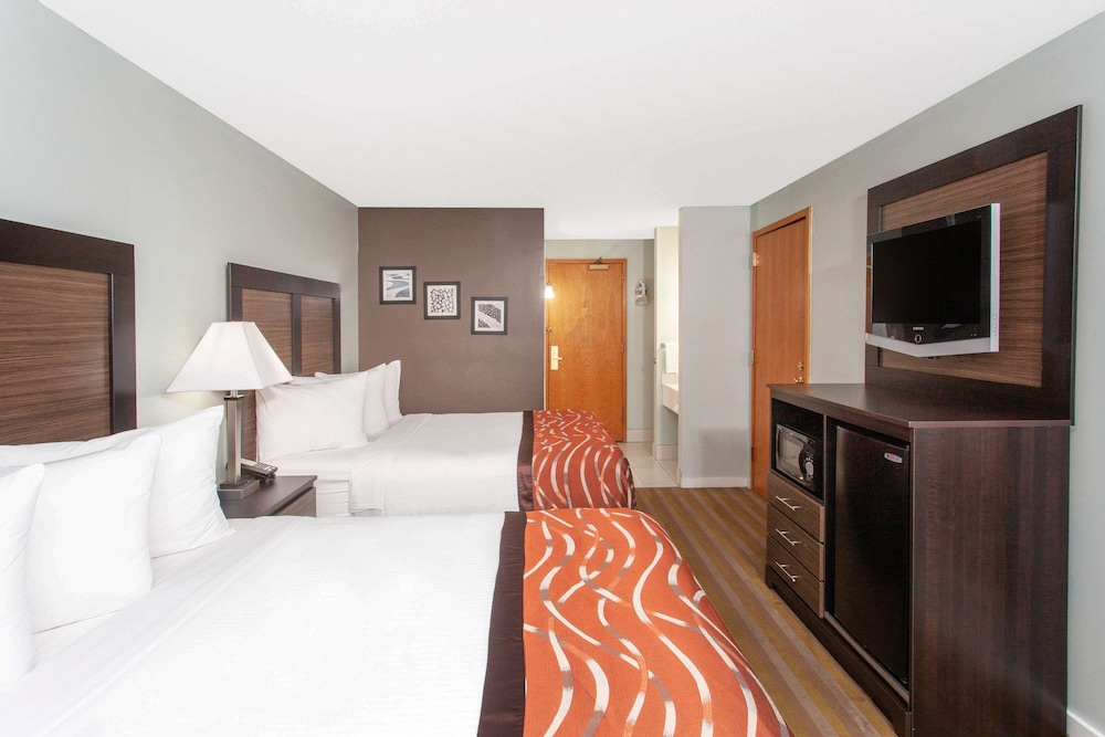 Room, Baymont by Wyndham Grand Haven