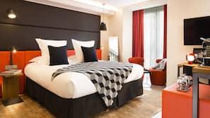高級寢具、迷你吧、保險箱、窗簾