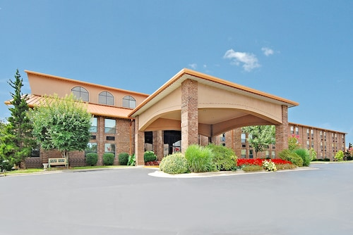 Great Place to stay Comfort Inn at Thousand Hills near Branson
