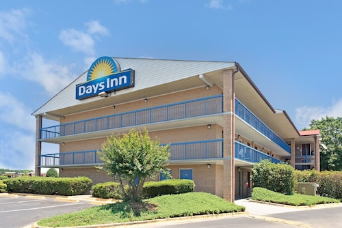 Days Inn by Wyndham Charlotte Northlake